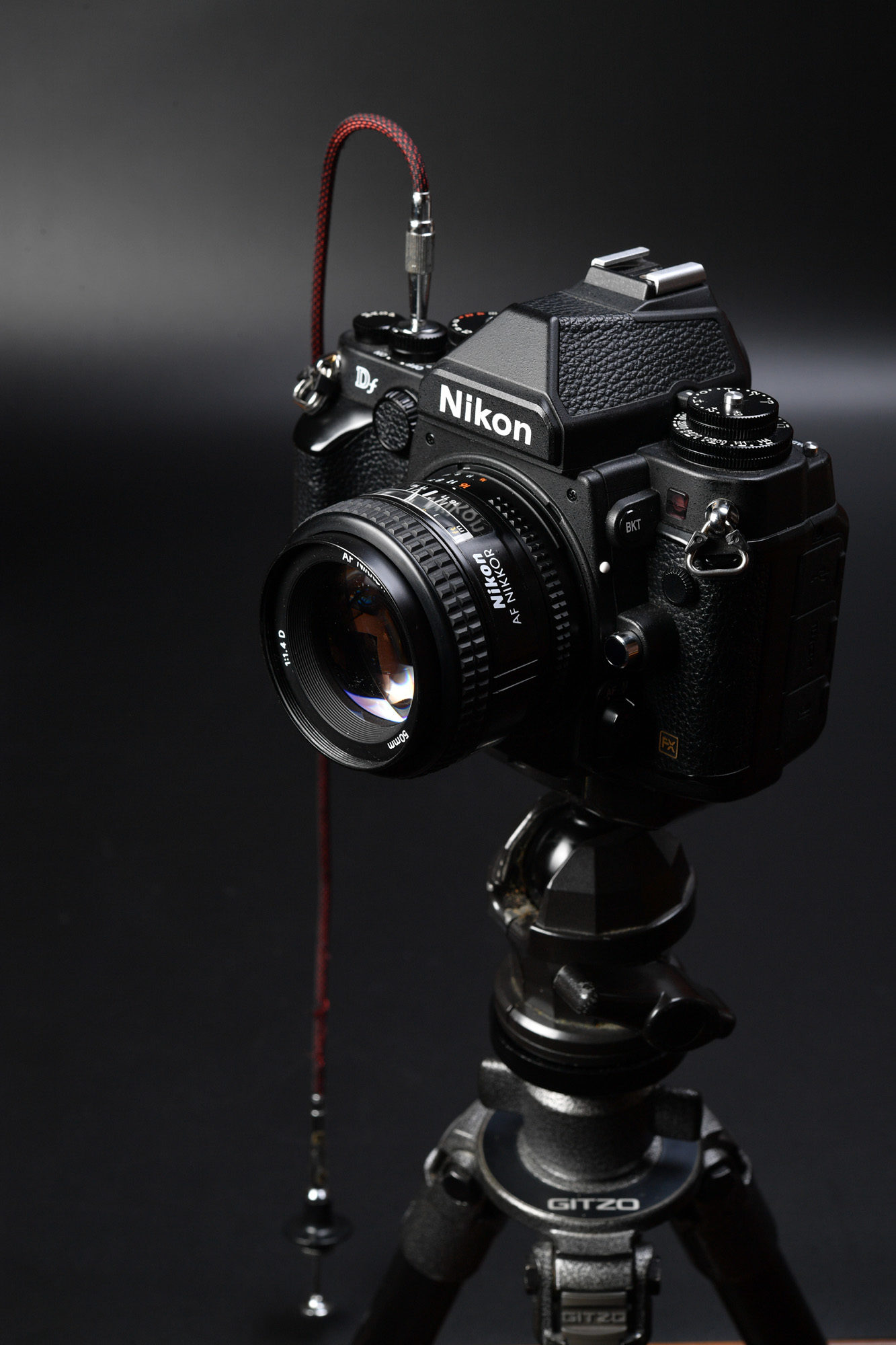 Nikon DF 購入したのでNikon FEと比べてみる。