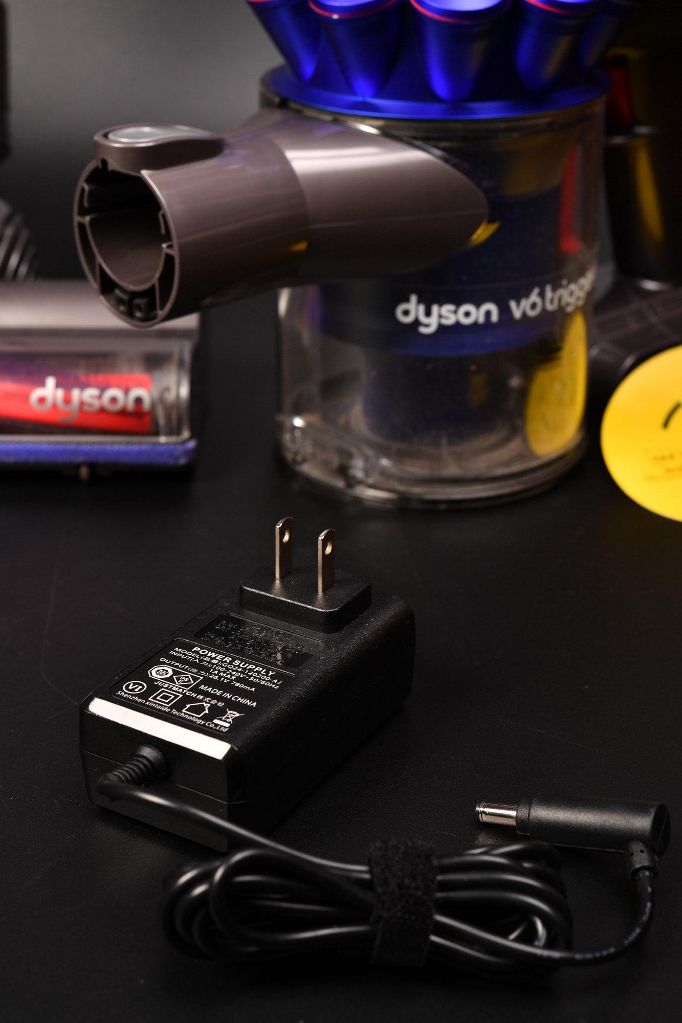 dyson V6 互換バッテリー購入してみました。