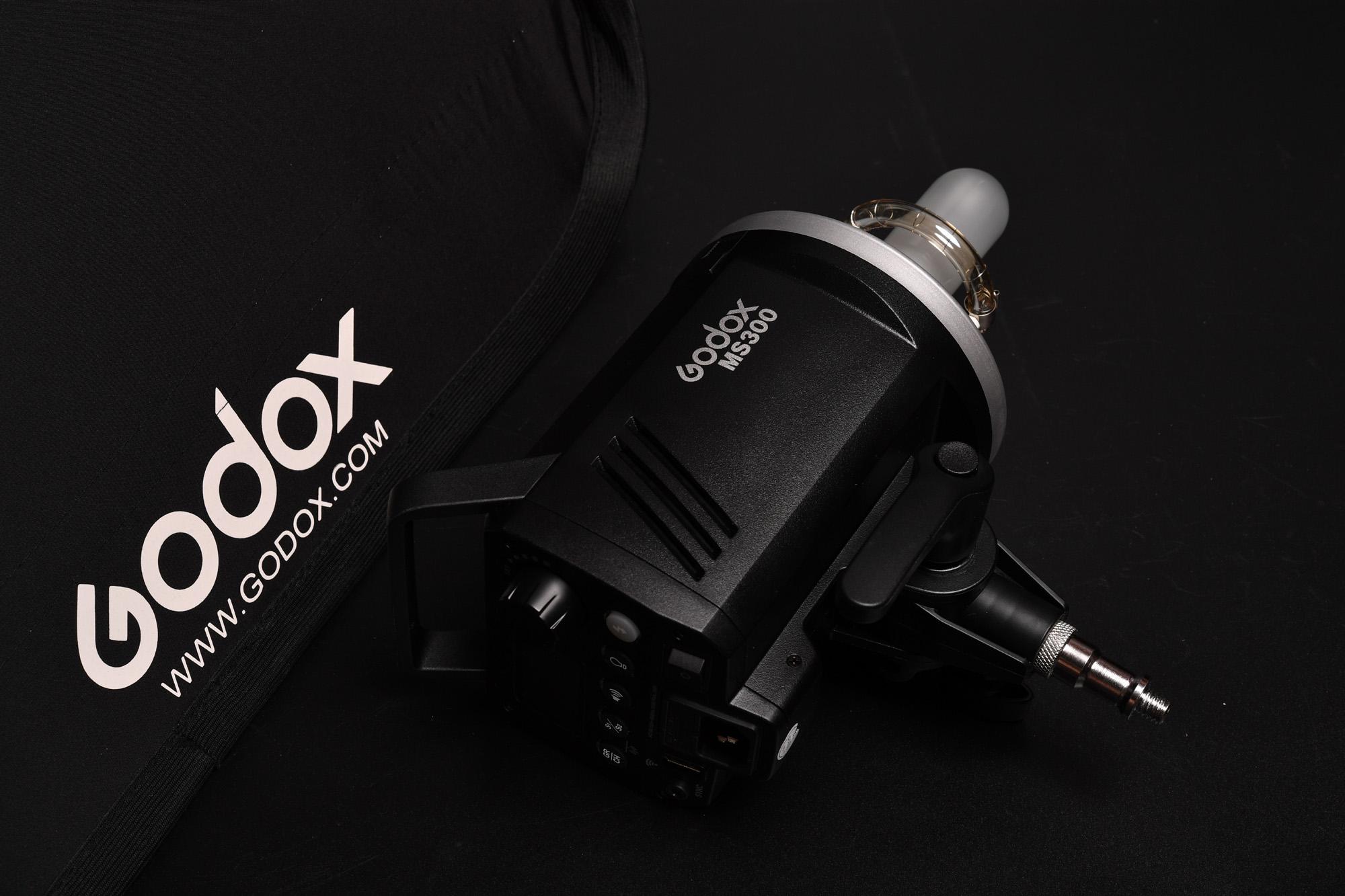 Godox MS300 ヒューズ交換しました。 小型モノポッド ワイヤレス フラッシュ
