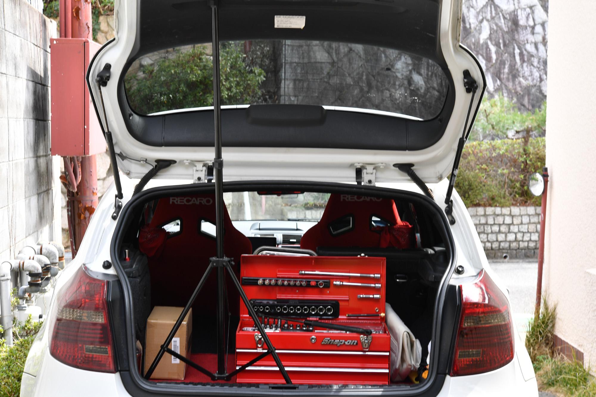 バックドアダンパー ショック 交換 BMW 130i E87