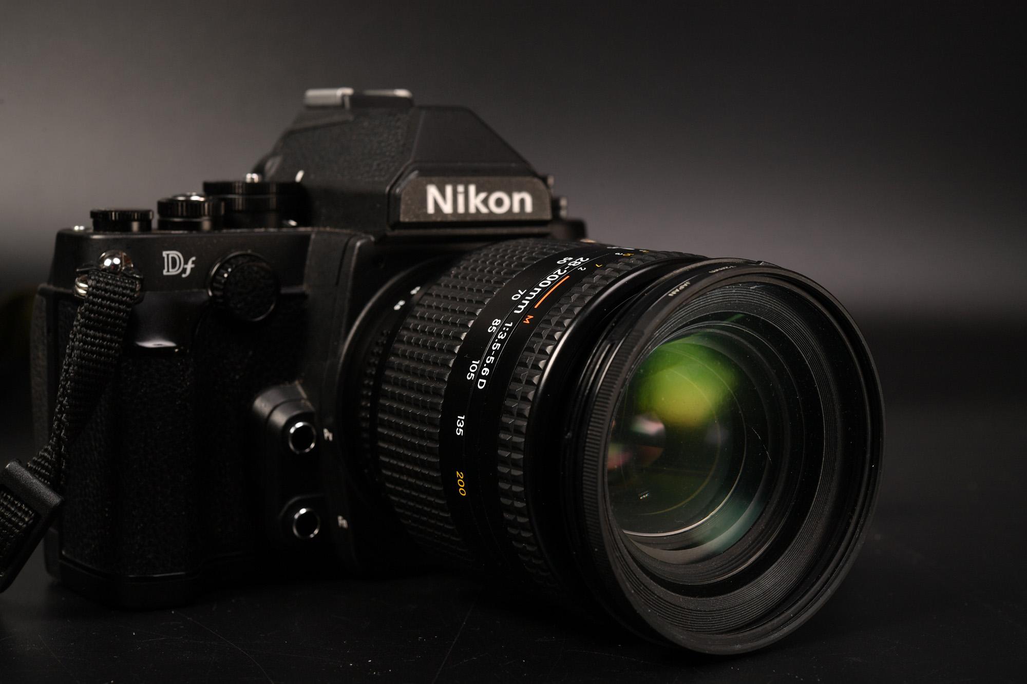AF NIKKOR 28-200mm F3.5-5.6D 安かったのでDレンズ購入! FDで夜桜試し撮り。