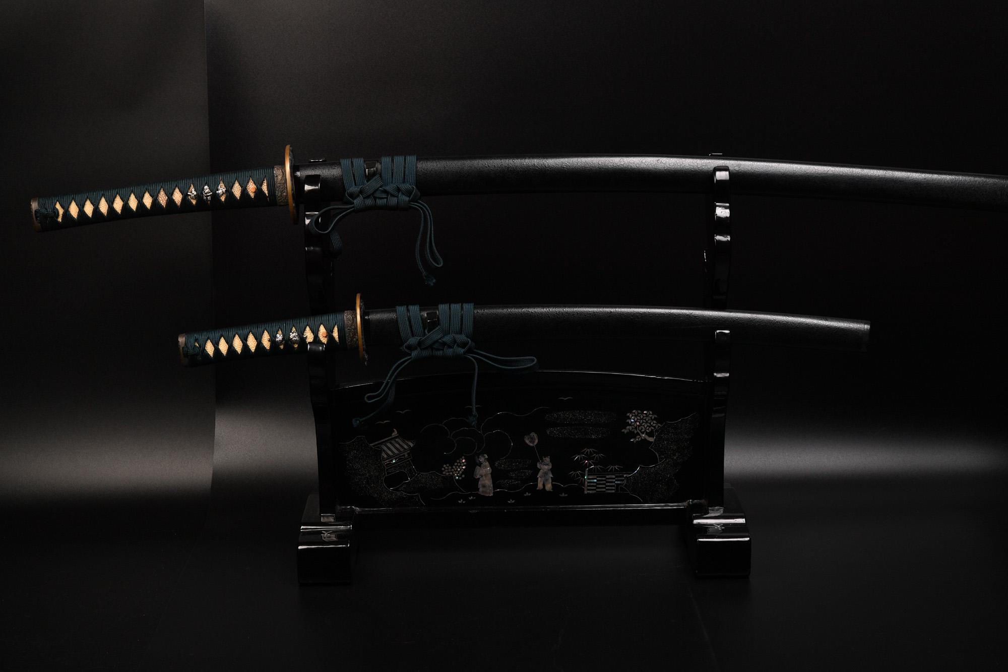 高級摸造刀 特性 鎬 黒石目 刀と脇差し2本セット 購入